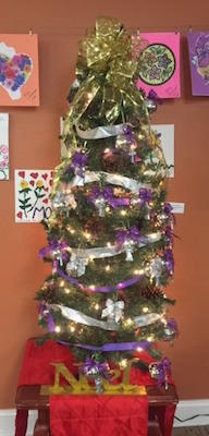 Christmas Tree with bulbs for families and volunteers